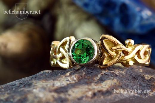 Green Tsavorite Celtic Gold Ring