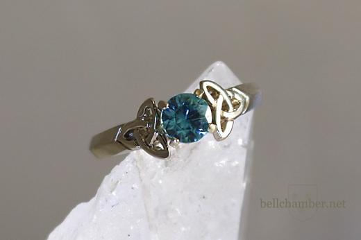 Double Triskele Celtic Loveknot ring