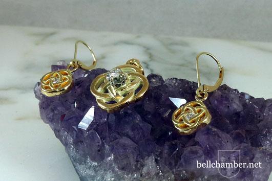 Leanúnach Celtic Cross earring and pendant set